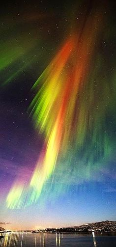 Aurora - Tranoy -- Norway --- #photo by stunningnaturee.blogspot.com ---    www.stunningnaturee.blogspot.co.at/2015/01/sky-art.html