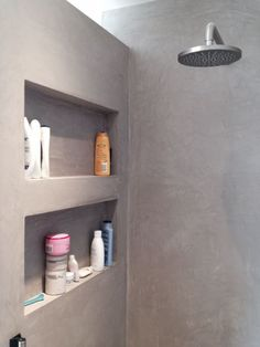 Recessed shelves and recessed lighten I the shower Bathroom Toilets, Bathroom Renos, Bathroom Shelves, Bathroom Interior, Small Bathroom, Master Bathroom, Shower Shelves, Bathroom Grey, Bathroom Ideas