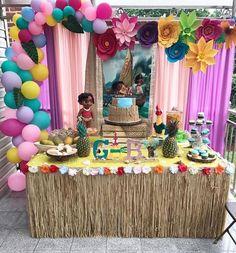 Fiesta de moana bebe decoracion Moana Themed Party, Moana Birthday Party, Safari Birthday Party, Baby Birthday Cakes, Moana Party, Baby Girl 1st Birthday, 10th Birthday Parties, Birthday Party Decorations, Aloha Party