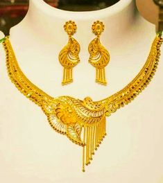 Gold Ring Designs, Gold Earrings Designs, Necklace Designs, Jewellery Design Images, Jewelry Design, Gold Bridal Earrings, Bridal Necklace, Necklace Set, Gold Mangalsutra Designs