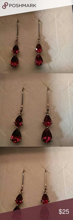Vintage Estate Genuine Garnet Earrings Beautiful natural garnet gemstones set in 925 sterling silver 3 cts comes in gift 📦 out of my family's estate estate Jewelry Earrings
