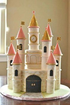 Beautiful pink and gold princess castle birthday cakeYou can find Princess castle and more on our website.Beautiful pink and gold princess castle birthday cake Cupcakes Princesas, Bolo Rapunzel, Castle Birthday Cakes, Fairy Castle Cake, Princess Castle, Princess Cakes, Princess Party, Princess Birthday, Disney Cakes