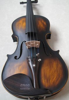 Antique Finish Brazillian Wood Violin - dezdemon-home-decorideas. Violin Art, Violin Music, Violin Pickup, Antonio Stradivari, Electric Violin, Violin Lessons, Learn To Play Guitar, Playing Guitar, Music Stuff