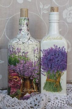 ♡lavanda - Decoupage - It's all glass and looks very cool. Lavender is a quite interesting plant ! Glass Bottle Crafts, Wine Bottle Art, Diy Bottle, Bottle Vase, Bottles And Jars, Glass Bottles, Jar Crafts, Diy And Crafts, Decoupage Art