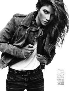 Understated Rocker Editorials casual denim fashion – Alba Galocha sports a wardrobe of cotton tees, leather jackets and casual denim fashions for Elle Spain's 'El Perfecto Accessorio'… Editorial Photography, Portrait Photography, Fashion Photography, Glamour Photography, Lifestyle Photography, White Fashion, Denim Fashion, Alba Galocha, Elle Spain