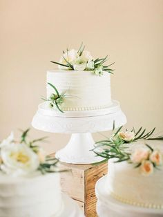 If you can't settle on one single wedding cake flavor or style, consider a sp. - - If you can't settle on one single wedding cake flavor or style, consider a spread of multiple single tier cakes with different flavors and designs. Wedding Cakes One Tier, Small Wedding Cakes, Floral Wedding Cakes, Wedding Cake Flavors, White Wedding Cakes, Elegant Wedding Cakes, Beautiful Wedding Cakes, Wedding Cake Designs, Wedding Cake Toppers
