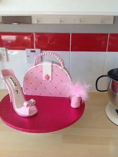 Shoe/handbag cake