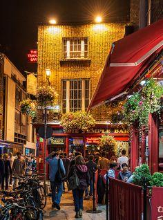 Temple Bar at night, Dublin, Ireland. (by philhaber, via Flickr)