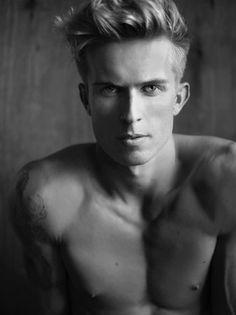 Wilhelmina Models - Los Angeles, Mainboard, Aaron Thornton Portfolio