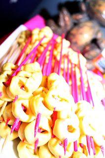 A Busy Mom's Blog: Tortellini Skewer Appetizer