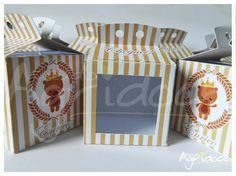 Caixinhas para colocar cupcake, brigadeirão, docinhos, sabonetinhos ou outro mimo; perfeitos para dar como lembrancinha de festas de aniversário, nascimento, chá de bebê... <br> <br>Personalizamos também com outros temas ou a marca da sua empresa. <br> <br>Feita totalmente à mão, com visor transparente. <br>Tamanho da caixinha: 6 x 6 x 6 cm. <br>A caixinha vai vazia e com a fita para fazer o lacinho. <br> <br>Consulte-nos para outros temas e cores. <br> <br>Após confirmação de pagamento…