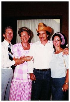 Roy Acuff, Minnie Pearl, Merle Haggard and Leona Williams Country Music Stars, Country Music Artists, Country Western Singers, Country Boys, Gospel Music, My Music, Roy Acuff, Music Guitar, Movie Stars
