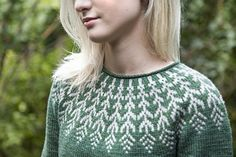Ravelry: Fern & Feather pattern by Jennifer Steingass Sweater Knitting Patterns, Knit Patterns, Nordic Sweater, Feather Pattern, Jumper Dress, Sweater Design, Ferns, Knitwear, Free Pattern