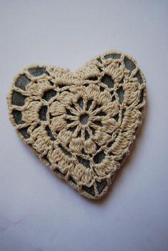 mijn hart is puur - broche van studiosoil via http://nl.dawanda.com/