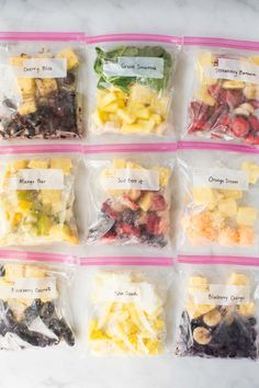 Quick and Easy Smoothie Freezer Packs: Smoothies make a great quick breakfast meal, but they're often a hassle during the busy morning rush. These smoothie freezer packs will help you get your day off to a good start, without adding Frozen Fruit Smoothie, Fruit Smoothie Recipes, Smoothie Ingredients, Smoothie Prep, Freezer Smoothie Packs, Make Ahead Smoothies, Apple Smoothies, Make Ahead Breakfast, Freezer Meals