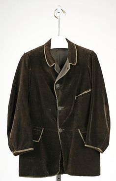 This is a men's chesterfield coat made in 1860. It can be either single or double breasted. This is a single breasted coat.