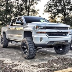 Pearl Silverado With Rims