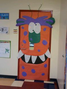 Monsters Halloween Classroom Decorations, School Door Decorations, Monster Theme Classroom, Classroom Themes, Monster Bulletin Boards, Classroom Door, Mickey Halloween Party, Halloween Crafts, Monster Decorations