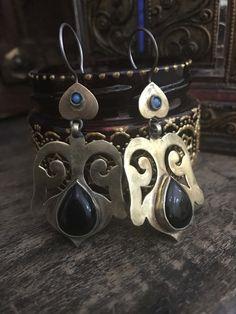 Ethnic Turkmen brassy finish earrings - tribal earrings - ethnic jewelry #gypsychic #boho #earrings #etsy #bijoux #ethnicjewelry #jewelry #etsyshop