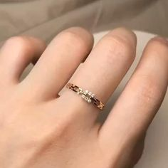 Gold Rings Jewelry, Solid Gold Jewelry, Silver Necklaces, Beautiful Gold Rings, Love Knot Ring, Gold Ring Designs, Silver Wedding Rings, Sapphire Earrings, Minimalist Jewelry