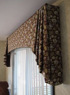 Window treatments Everyday Artist: Soft Cornices with Jabots Water Features Can Transform Your Backy Window Cornices, Valance Window Treatments, Custom Window Treatments, Window Drapes, Window Coverings, Curtains And Draperies, Drapes Curtains, Gypsy Curtains, Traditional Window Treatments