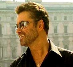 So dam handsome and talented. Sexy George Michael.