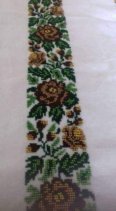 Cutwork Embroidery, Embroidery Fashion, Cross Stitch Borders, Cross Stitch Charts, Border Pattern, Half Zip Sweaters, Baby Knitting Patterns, Preschool Crafts, Crochet Baby