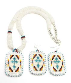 Bead Loom Patterns, Beaded Jewelry Patterns, Beading Patterns, Rosary Necklace, White Necklace, Seed Bead Earrings, Beaded Earrings, Loom Board, Beadwork Designs