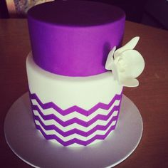 Purple #Chevron #Wedding   … 'Wedding Guide' App ♥ Free for a limited time … https://itunes.apple.com/us/app/the-gold-wedding-planner/id498112599?ls=1=8  ♥ For more magical wedding ideas http://pinterest.com/groomsandbrides/boards/ ♥
