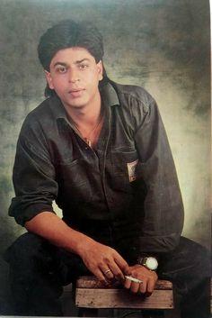 #ShahrukhKhan #BollywoodFlashback #90s #postcard #muvyz #muvyz050719 @iamsrk Shah Rukh Khan Movies, Shahrukh Khan, King Of My Heart, King Of Hearts, Sr K, Vintage Bollywood, In A Heartbeat, Actors, Portrait