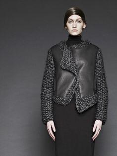 Sunghee Bang F/W 2012 leather knit combo Knitwear Fashion, Knit Fashion, Grey Fashion, Womens Fashion, Knit World, Mode Inspiration, Mode Style, Mantel, Peplum Dress