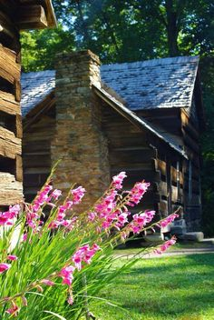 Ꮧ t . t h ҽ . C α b i n Log Cabin Homes, Log Cabins, Little Cabin, Cabana, Smoky Mountain National Park, Patios, North Carolina Homes, Great Smoky Mountains, Cabins And Cottages