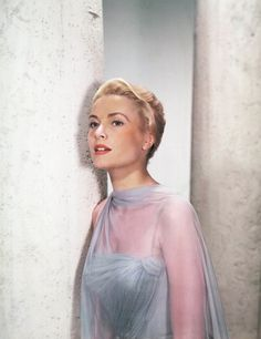 See Stunning Vintage Photos of Grace Kelly, On-Set and Off | W Magazine