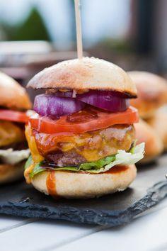 Canapes, Salmon Burgers, Grilling, Menu, Ethnic Recipes, Food, Menu Board Design, Crickets, Essen