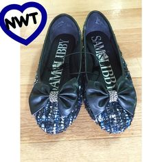 NWT• Sam&Libby • Flats.            35 New with Tags• Color: Dark blue, Silver & Black• with Bows on front Sam & Libby Shoes Flats & Loafers