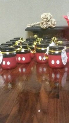 """Diy baby food jars Mickey style """"Thanks for stopping by"""" Jase and Case b-day favor with ringpop inside Fiesta Mickey Mouse, Theme Mickey, Baby Mickey Mouse, Mickey Mouse Birthday, Minnie Mouse Party, Baby Jars, Baby Food Jars, Food Baby, Baby Food Jar Crafts"""