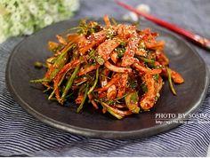 집나간 입맛도 돌아오는 새콤달콤매콤 오징어초무침!! Home Recipes, Asian Recipes, New Recipes, Cooking Recipes, Ethnic Recipes, K Food, Vegetable Seasoning, Korean Food, Kimchi