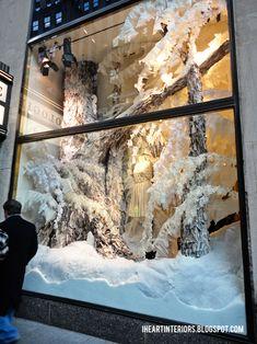 winter window displays | Anthropologie Winter Window Display