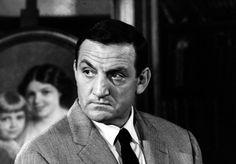 """Lino Ventura, une sacrée gueule Il existe des acteurs qui, par leur simple visage, symbolise tout un pan de l'histoire du cinéma. Lino Ventura en fait partie. """"Une présence, une force tranquille, sa générosité et son talent"""" ont, selon vous, transformé notre Tonton flingueur en icône du cinéma français."""