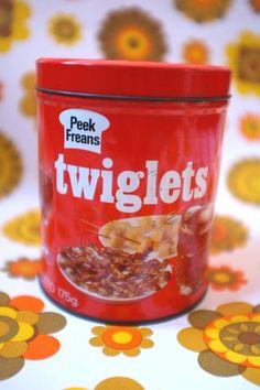 Vintage 1970s red Twiglets biscuit/cracker/cocktail bar snack storage tin Peek…