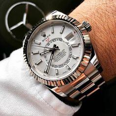 ROLEX SKY DWELLER 42MM GMT MENS LUXURY WATCH ref. 326934-WHTSO #rolex #rolexskydweller #rolexskydwellergmt #luxurywatches #majordor #luxurytopwatches #loveluxurywatches #luxurywatchesonline Rolex Watches For Men, Luxury Watches For Men, Men's Watches, Sport Watches, Dream Watches, Cool Watches, Sky Dweller, Gold Rolex, Swiss Army Watches