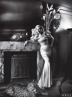 Scarlett Johansson by Mario Testino, incredible lighting.