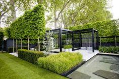 Kulmikkaita muotoja ja pehmeitä heiniä:Chelsea Flower Show / The Daily Telegraph Garden, by Swedish landscape architect Ulf Nordfjell.