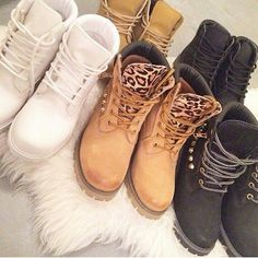 white black and tan timberland boots Sock Shoes, Cute Shoes, Me Too Shoes, Heeled Boots, Bootie Boots, Shoe Boots, Outfit Timberland, Timberlands, Zapatos Shoes