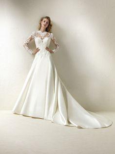 Wedding dress with floral motifs - Draga
