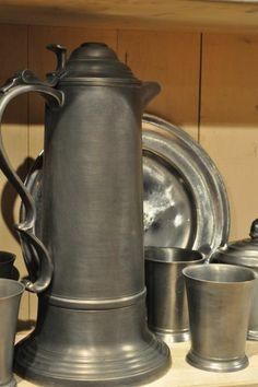 American Heritage Craftsman & Artisan Show Pewter Metal, Antique Pewter, Primitive Living Room, Plate Racks, Old Kitchen, Candlesticks, Craftsman, Artisan, Primitives