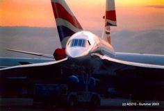 Concorde at Heathrow Airport 2003 pic.twitter.com/vKMG1XwxDC