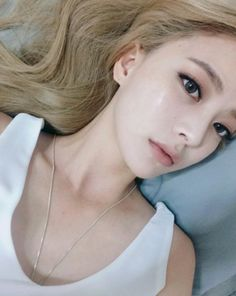Pin by jordo on ulzzang Asian Makeup, Korean Makeup, Korean Beauty, Asian Beauty, Natural Beauty, Beauty Makeup, Hair Makeup, Hair Beauty, Eye Makeup