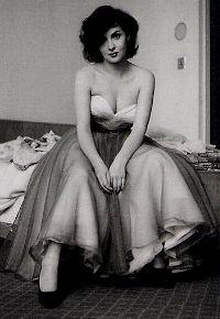 Gina Lolo-brigida die tijdig de glamour achter zich liet. Op de foto boven piep- jong en op weg naar de top.