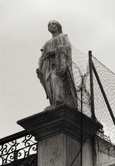 Estatua alambrada